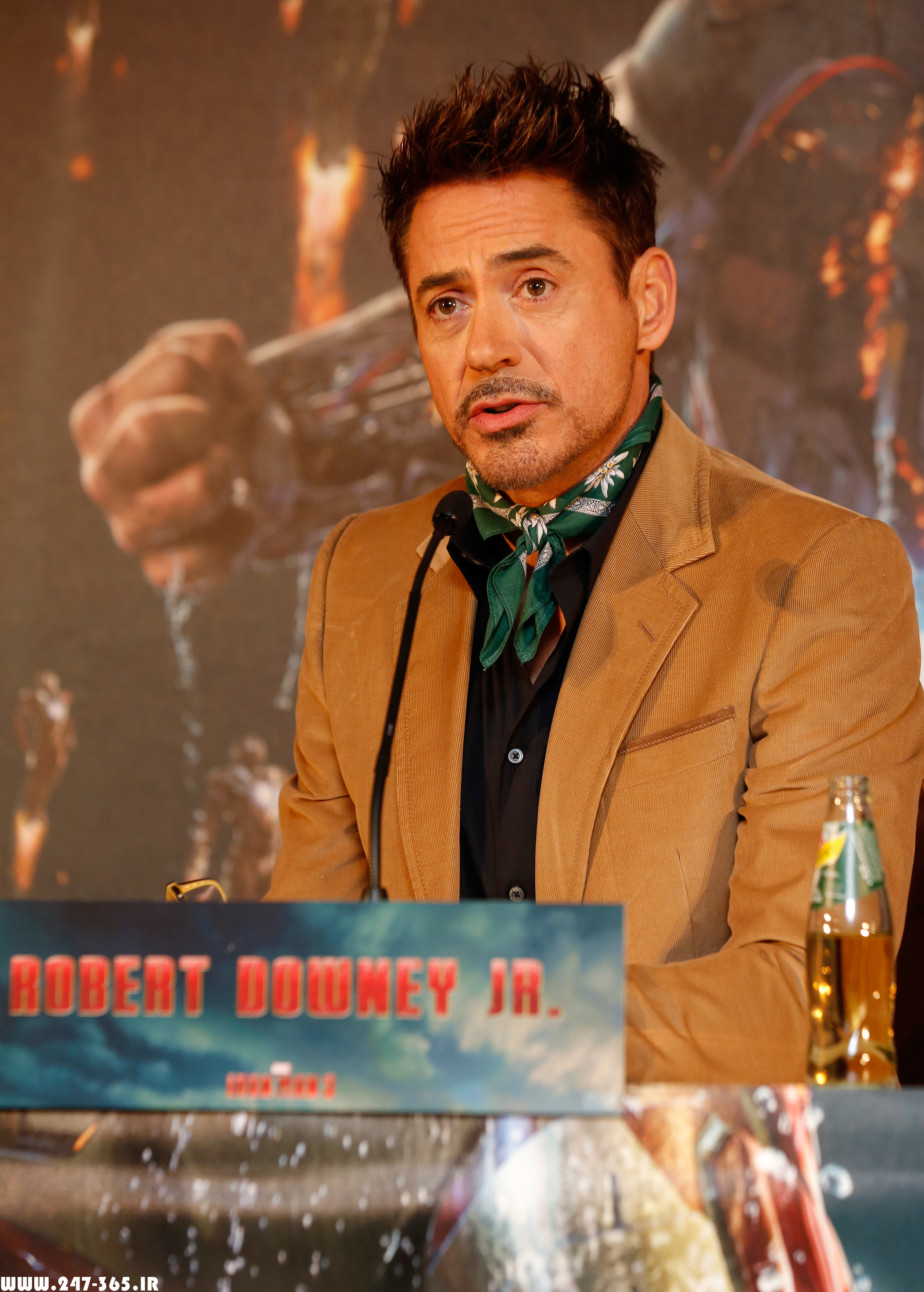 http://dl.247-365.ir/pic/celebrity/robert_downey_jr_3/Robert_Downey_Jr_3_17.jpg