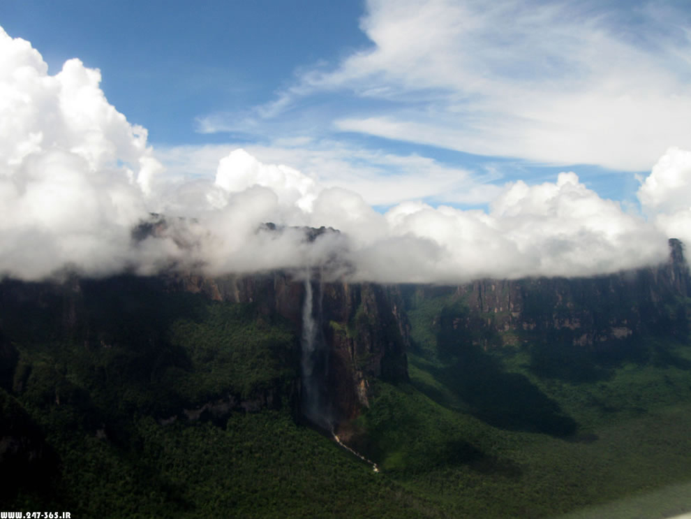 http://dl.247-365.ir/pic/earth_and_nature/angel_falls/Angel_Falls_03.jpg