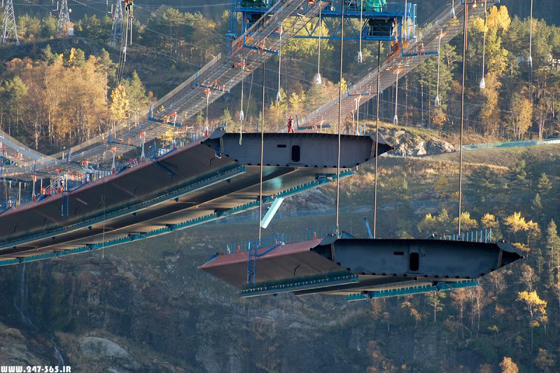 http://dl.247-365.ir/pic/pol/hardanger_bridge/Hardanger_Bridge_06.jpg