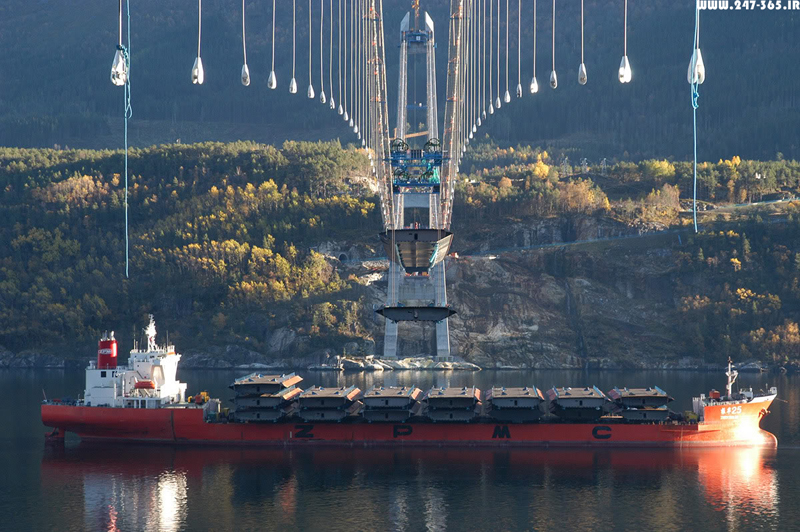 http://dl.247-365.ir/pic/pol/hardanger_bridge/Hardanger_Bridge_07.jpg