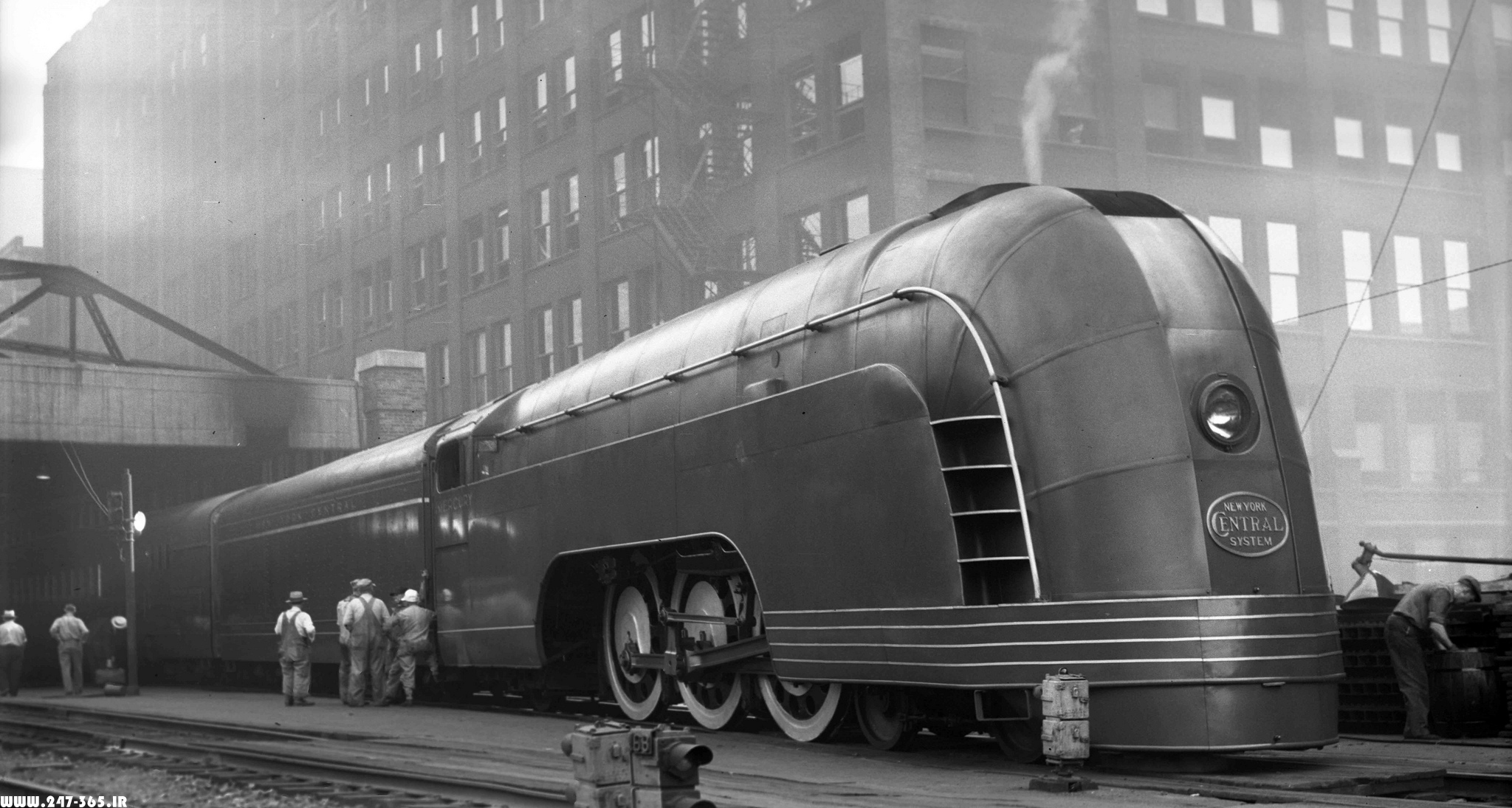 http://dl.247-365.ir/pic/tak_ax/Mercury_Train_in_Chicago_1936.jpg
