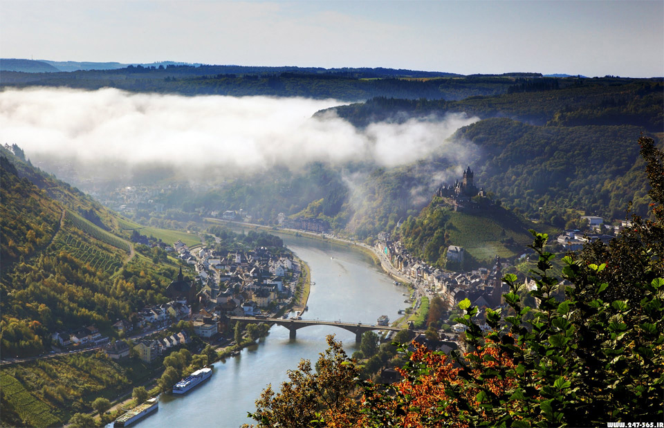 http://dl.247-365.ir/pic/tak_ax/Moselle_River_in_Germany.jpg
